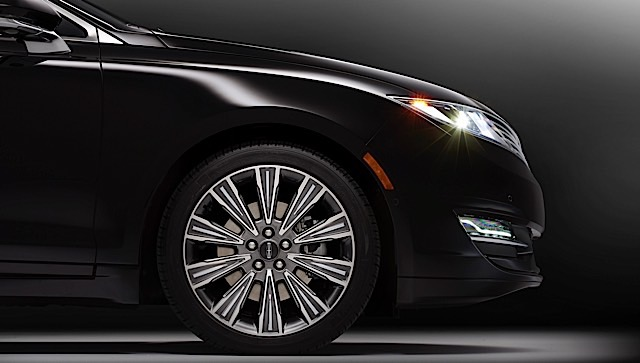 The Center Stage theme for Lincoln Black Label is inspired by fashion and theater. The exterior color is Black Tie, which is exclusive to Lincoln Black Label. Lincoln Black Label vehicles also will have exclusive wheels.