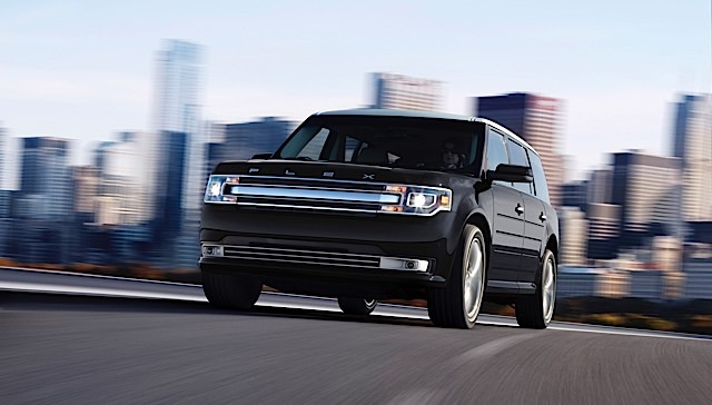 The 2014 Ford Flex seven-passenger crossover combines power, fuel economy, intuitive technology and driver-aid features in a can't-miss package.
