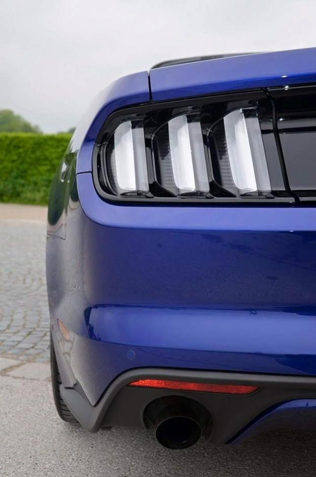 Clear LED taillights are standard on European Mustangs (Photo: Klaus Stadler)