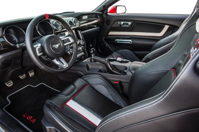 09-2015-ford-mustang-apollo-edition
