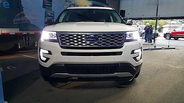 2016 Ford Explorer Platinum  Review - 20150901_185027