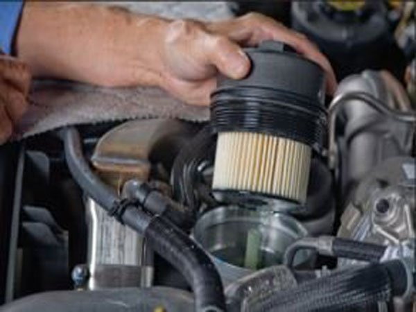 How To Replace A Fuel Filter On Ford Super Duty F250 F350 Rhfordtrucks: Fuel Filter Ford F250 At Gmaili.net
