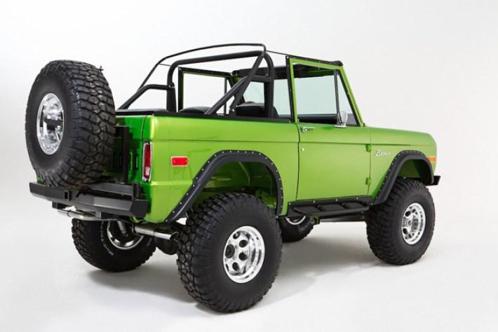 1974_Ford_Bronco_gecko_640