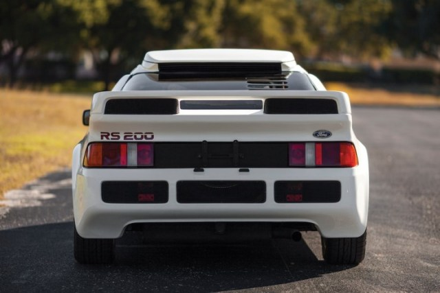 Ford-RS200-7-740x494