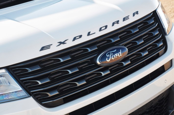2017 Ford Explorer XLT Sport Appearance Package 6