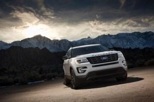 2017 Ford Explorer XLT Sport Appearance Package 7
