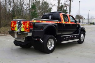 2006 Ford F650 2