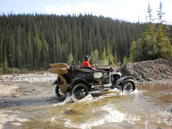 couple-drove-a-ford-model-t-50000-miles-around-the-world-many-more-miles-to-go_1
