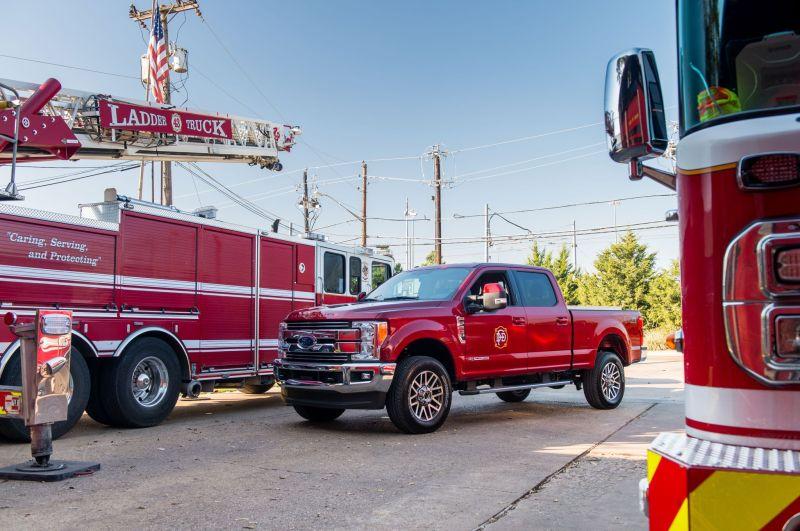 ford-dallas-cowboys-fire-station-43-f-250-super-duty
