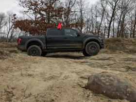 2017-ford-raptor-off-road-test-jerry-perez (3)
