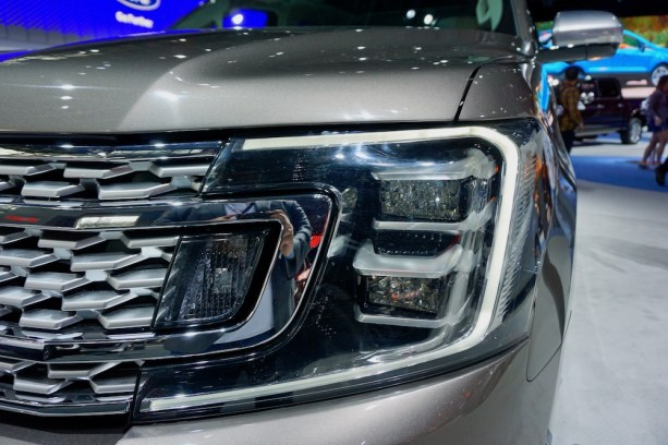 2017-nyias-ford-new-york-13