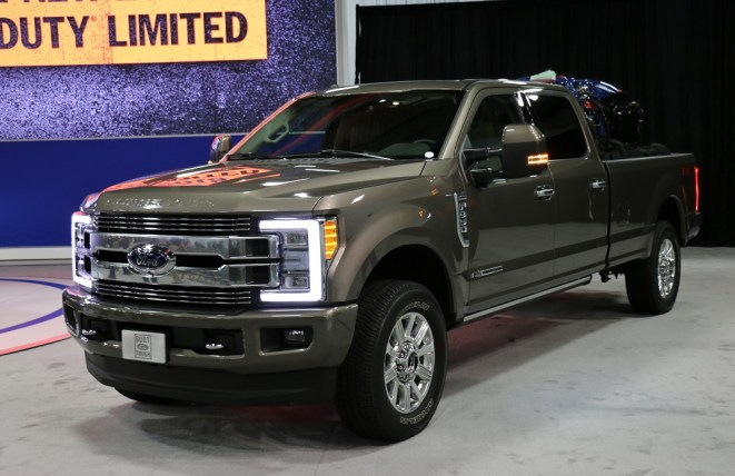Ford-Trucks.com 2018 Ford Super Duty Limited 6