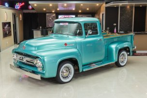 1956-Ford-F-100-3