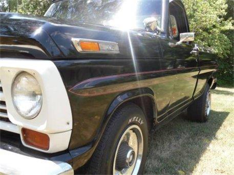 10802193-1968-ford-f100-std