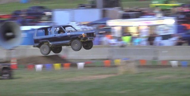 Flying Bronco II Tough Truck