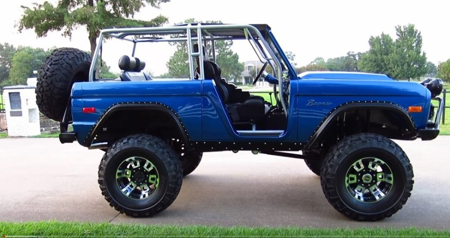 Custom 1972 Bronco Side