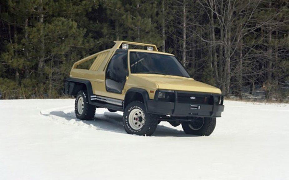 1981 Ford Bronco Montana Lobo Concept Front Snow