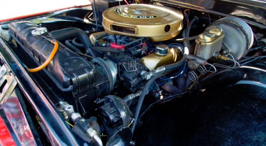 1961 Ford F-100 Engine