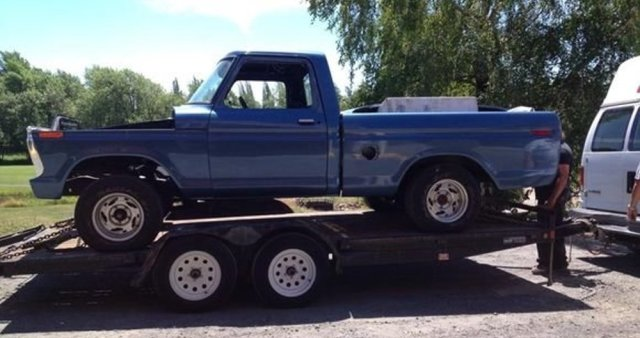 1970 Ford F-100 on a Trailer