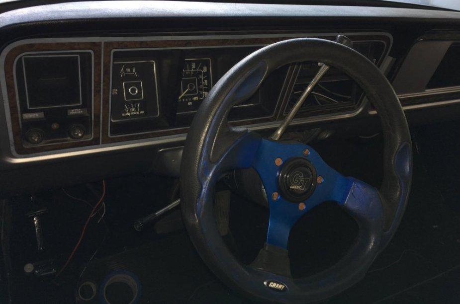 1977 Ford F-100 Cabin