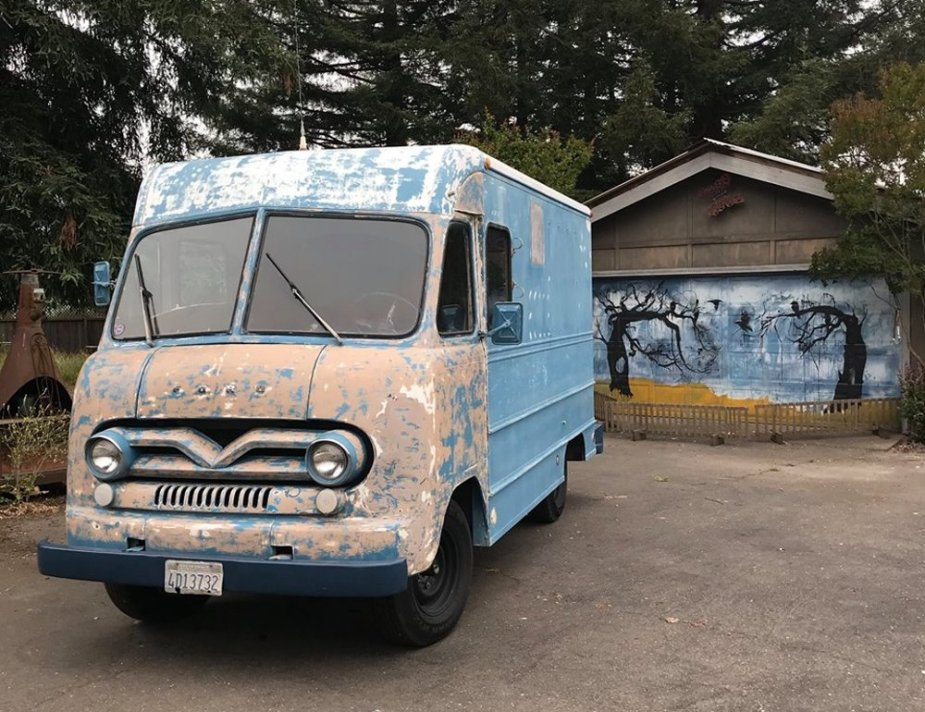 1962 Ford P-350 Bread Truck Front