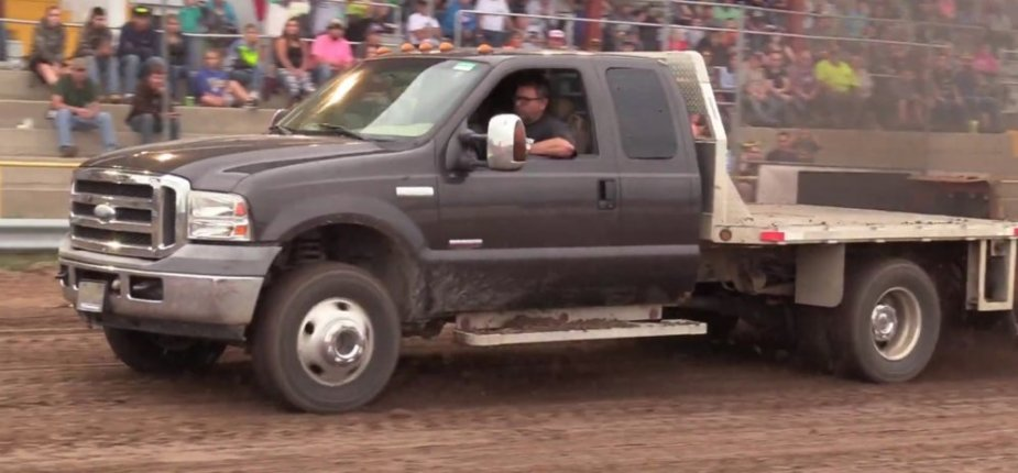1st Gen Ford F-350 Super Duty Pulling Front