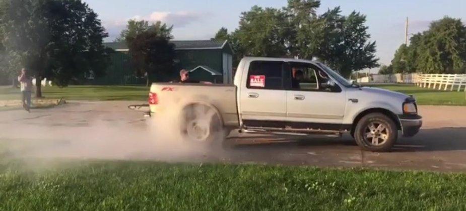 Ford F-150 Burnout Start