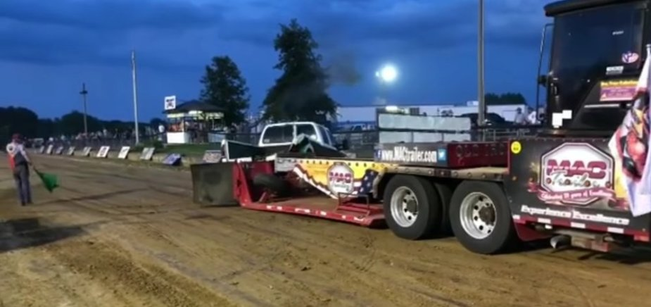 Ford F-350 Pulling Disaster