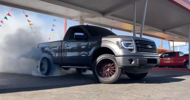 2014 Ford F-150 Burnout