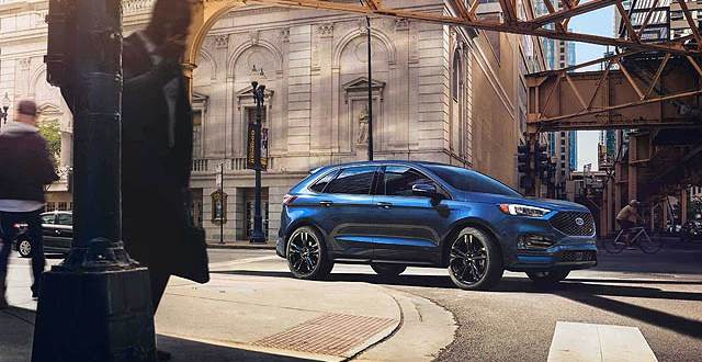 2019 Ford Edge side front