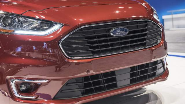 2019 Ford Transit Connect grille