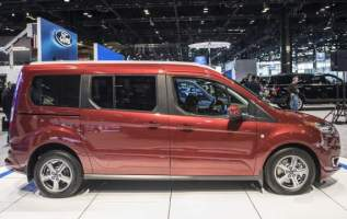2019 Ford Transit Connect side