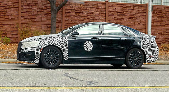 2018 Lincoln Town Car spyshot