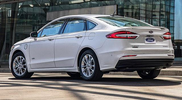 2019 Ford Fusion Energi side