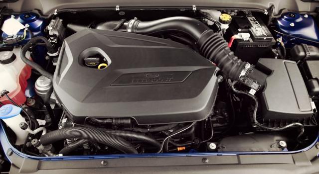 2020 Lincoln Town Car engine