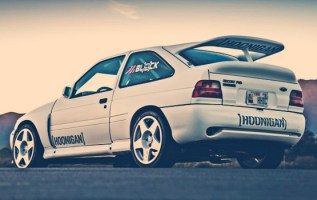 Ford Escort RS Cosworth exterior