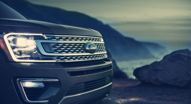 2020 Ford Expedition King Ranch grille