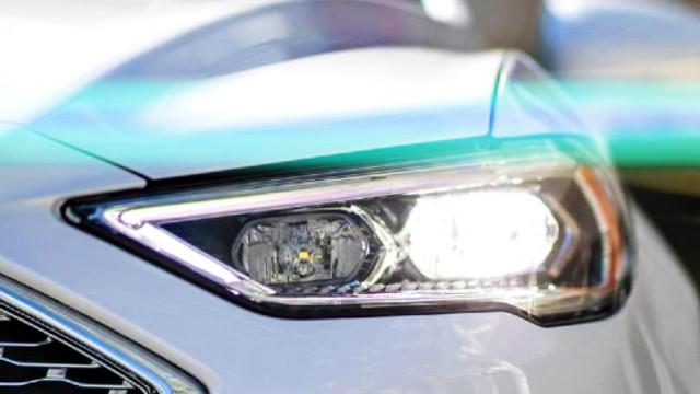 2020 Ford Fusion Hybrid headlights