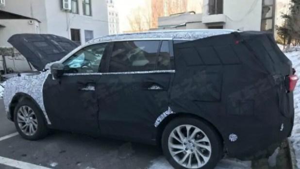 2022 Ford Endeavour spy photos