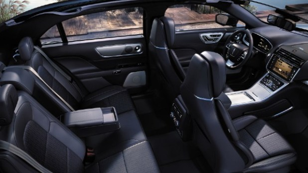 2022 Lincoln Town Car interior