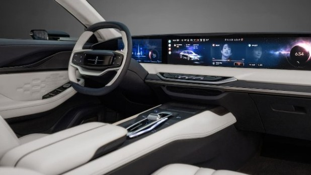 2022 Lincoln Mark-E interior