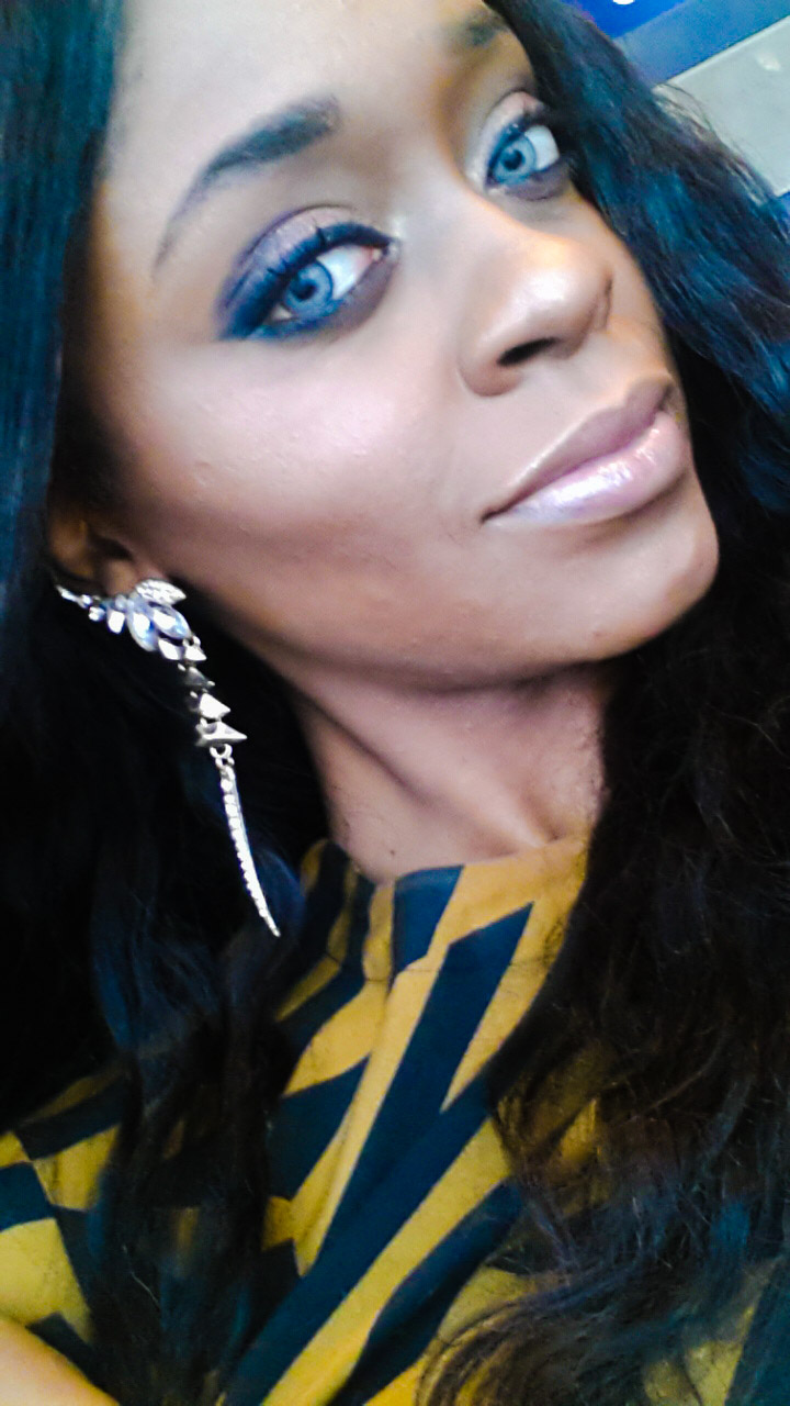 Earrings from Adorn Addict - Airport fashion by popular Dallas travel and fashion blogger Foreign Fresh & Fierce