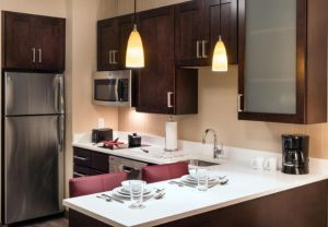 king-studio-suite-kitchen