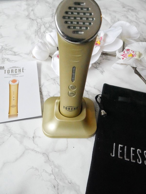 JELESSI Light Therapy Facial featured on top Dallas beauty blog, Foreign Fresh & Fierce