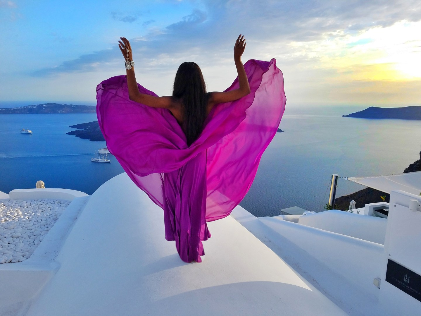 The Best 10 Tips for Breathtaking Photos in Santorini, Greece