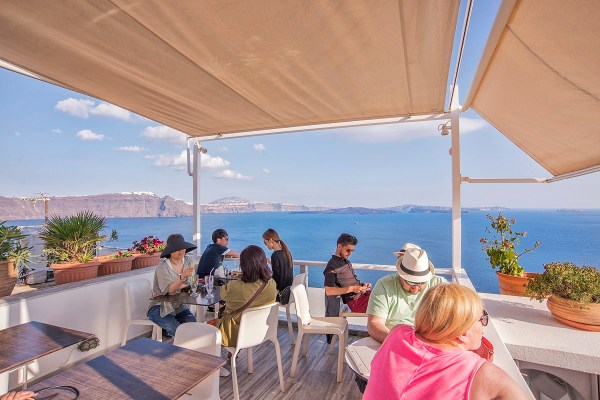 skiza cafe oia santorni greece
