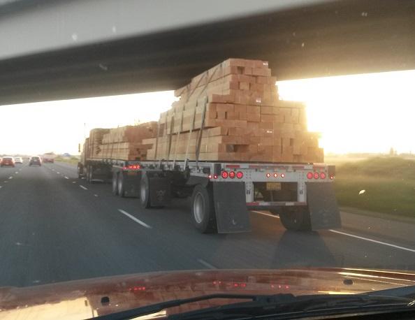 drewno i jego transport z Kanaday do USA