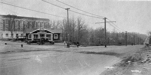 An early photo of Connecticut Avenue with the National Bureau of Standards in the background. (photo courtesy of the MLK Library)