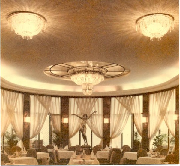 Hotel Alcron dining room, date unknown (courtesy of the Hotel Alcron archives)