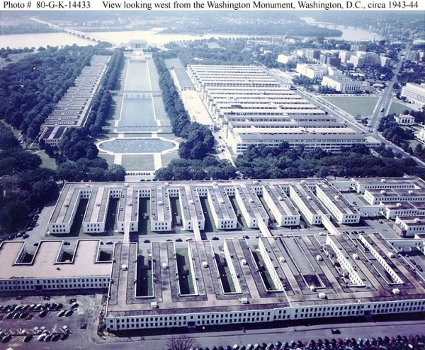 The Navy and Munitions Building is in the upper right quadrant. (photo courtesy of history.navy.mil)